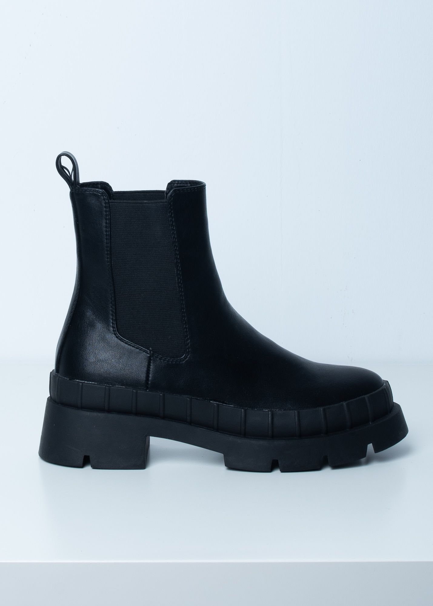 MID-HEEL ANKLE BOOTS WITH TRACK SOLES