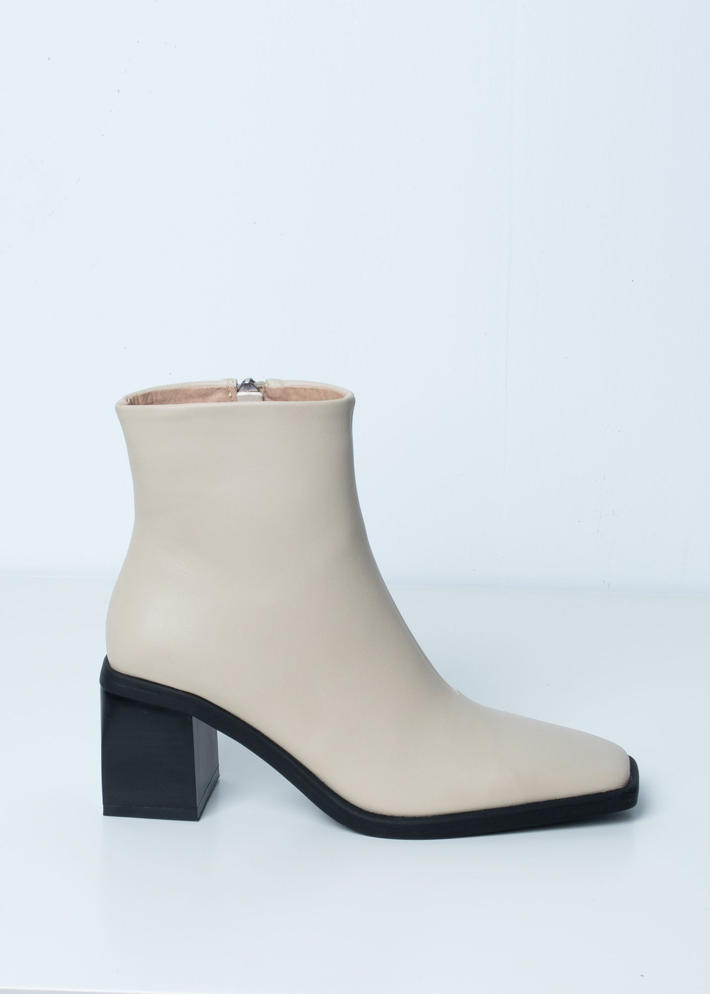 MID-HEEL ANKLE BOOTS WITH SQUARE TOE