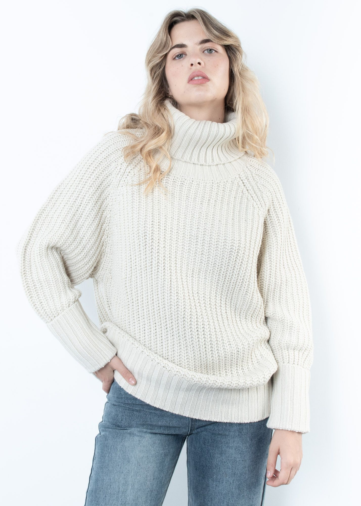OVERSIZE KNIT SWEATER WITH HIGH NECK