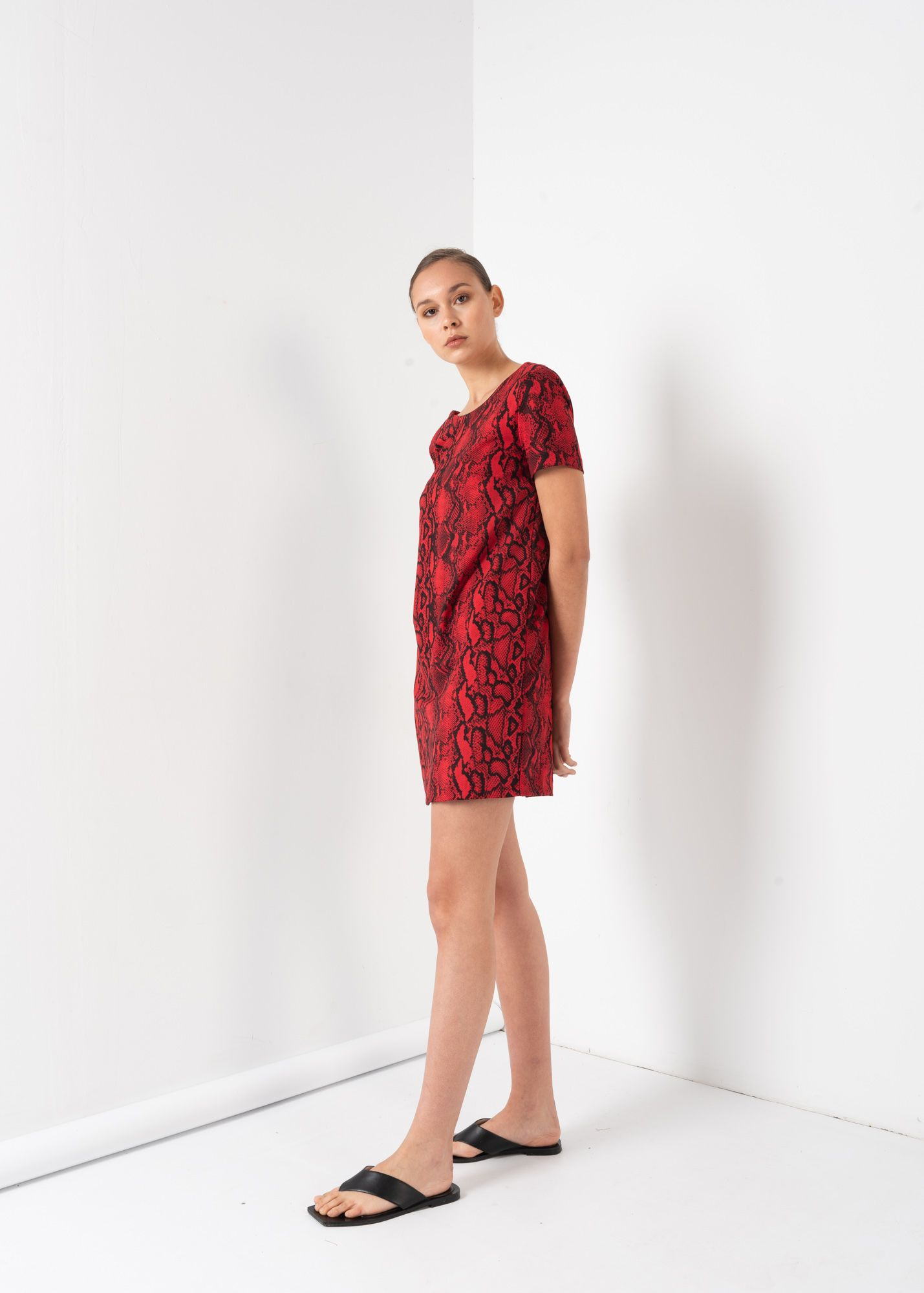 COATED PRINT RED SHORT SLEEVE