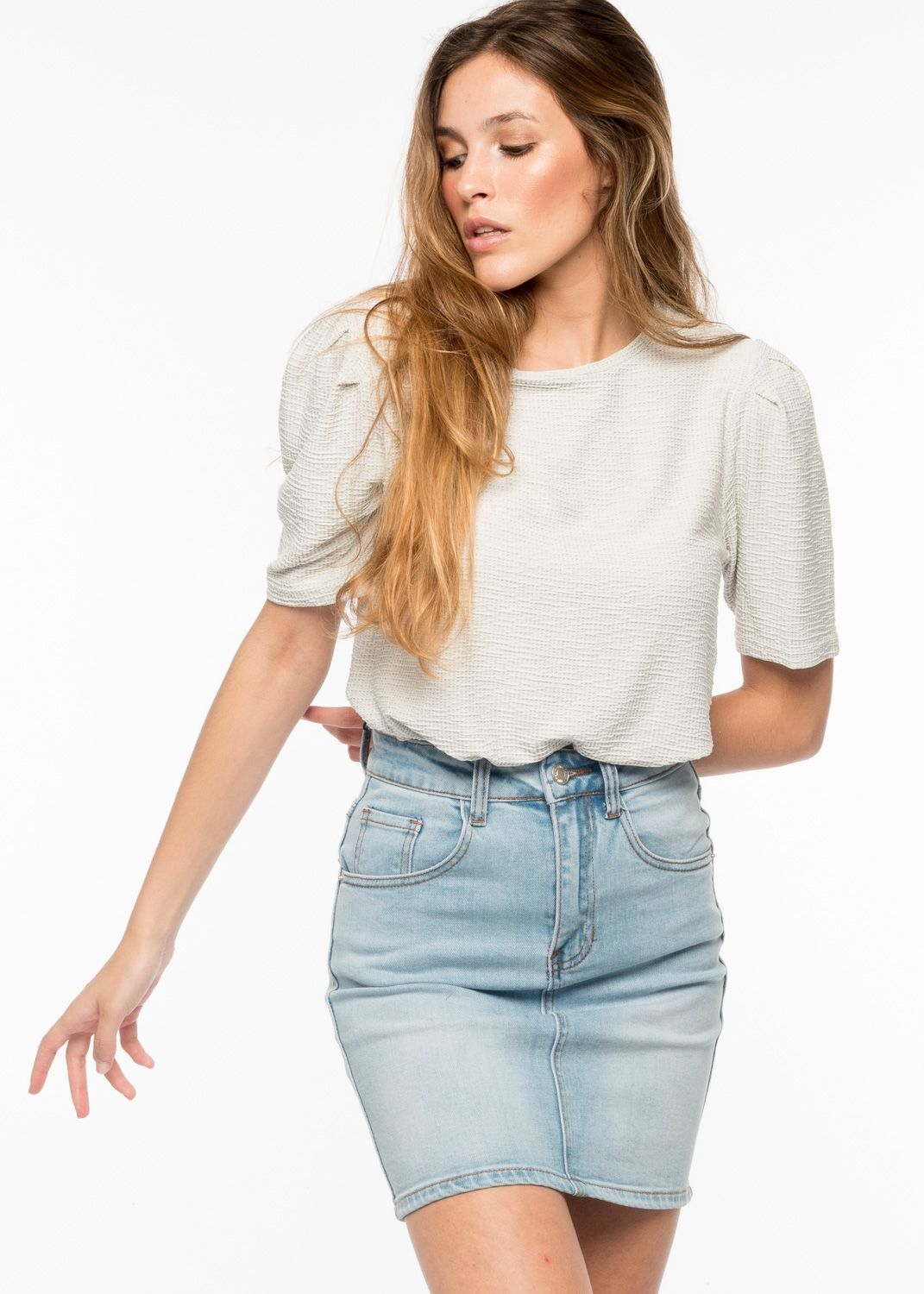 T-SHIRT WITH PLEATED SLEEVES