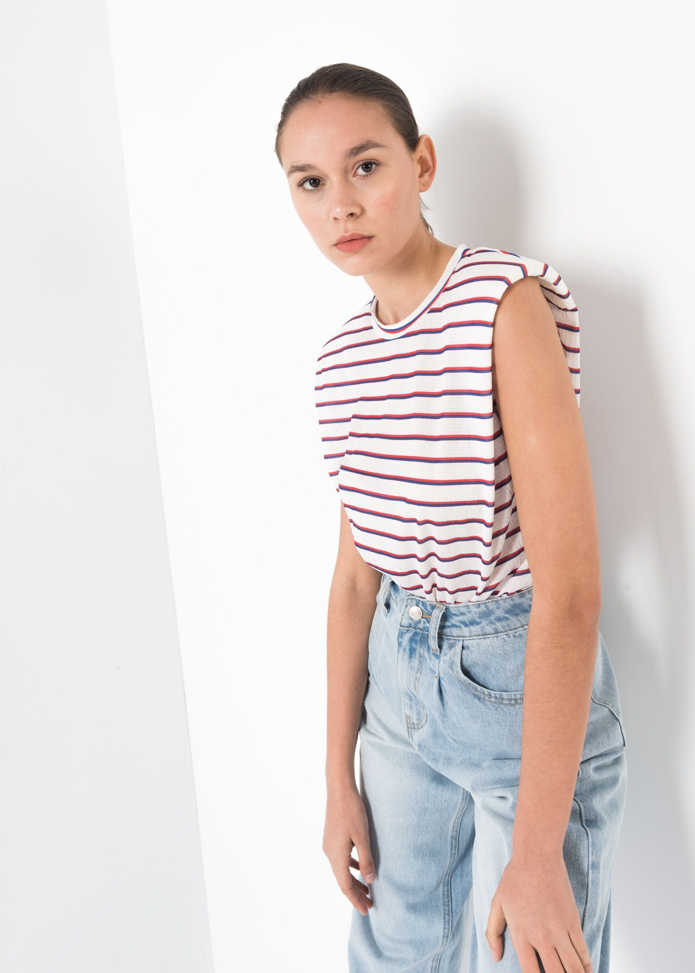 PRINTED T-SHIRT WITH SHOULDER PADS